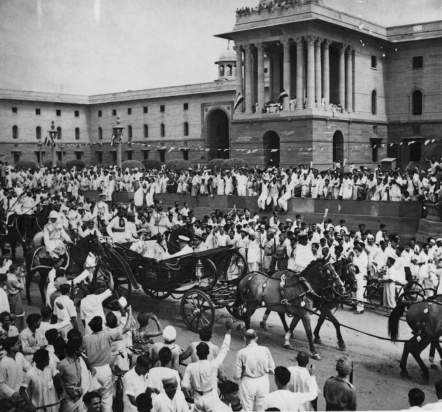 The  ceremonial buggy ride from Rashtrapati Bhawan to the Parliament House of Lord  Mountbatten, after he was sworn in as Governor-General on the morning of  15 August, 1947. This photograph was taken at Vijay Chowk