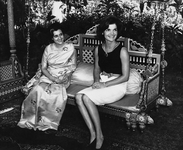 Jacqueline Kennedy and  Indira Gandhi at the Teen Murti House. Delhi, 1962