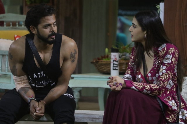 Sara Ali Khan chats up with Sreesanth.