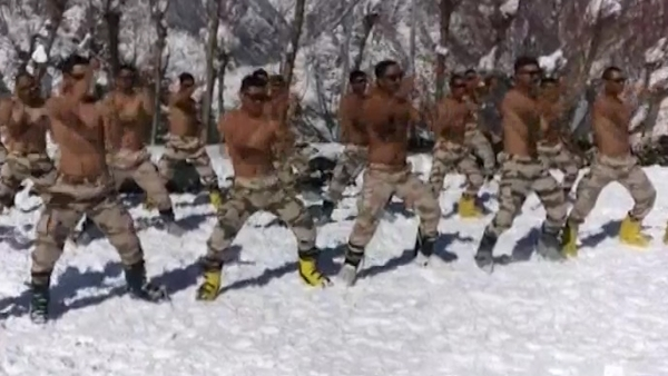 ITBP Personnel Perform Martial Arts At 11,000 Ft in Auli