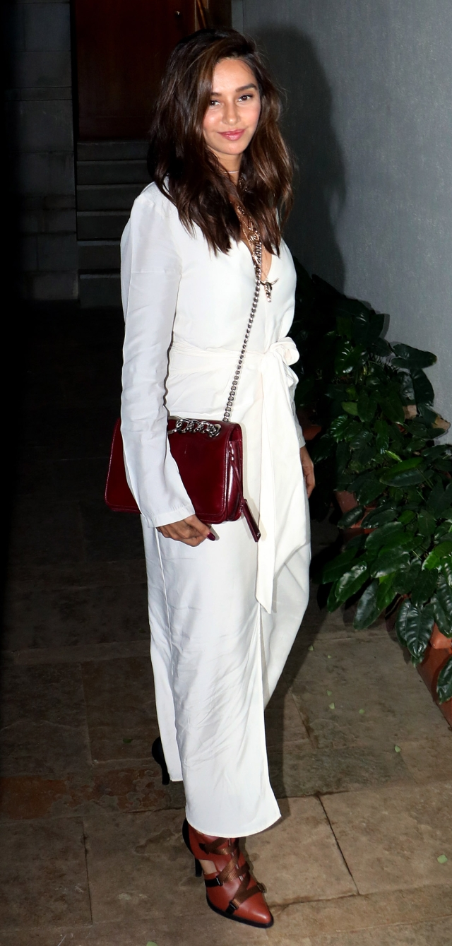 Shibani Dandekar at Farhan's birthday bash.