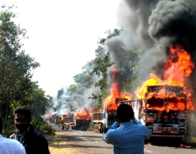 Image result for 4 killed in Maharashtra road accident, angry crowd burns vehicles