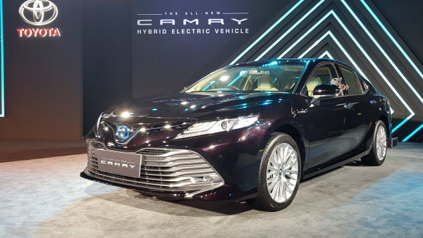 The Toyota Camry Hybrid comes in only one top-spec variant.