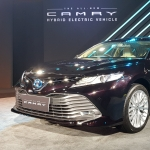 2019 Toyota Camry Hybrid Electric Sedan Launched at Rs 36.95 Lakh