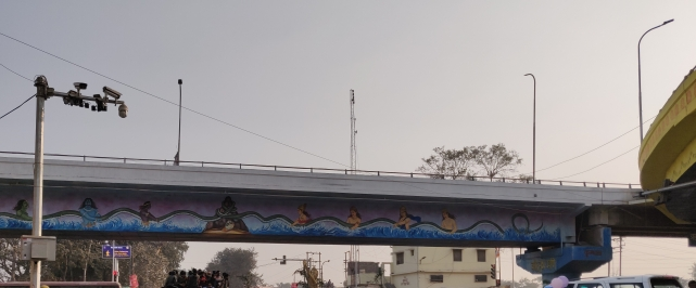 Mural with deities on a flyover.