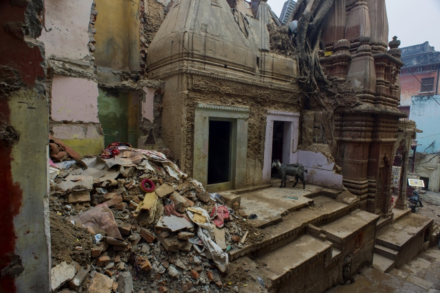 A damaged temple near Lalita Ghat.