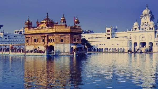 Image of Amritsar's iconic Golden Temple used for representation.