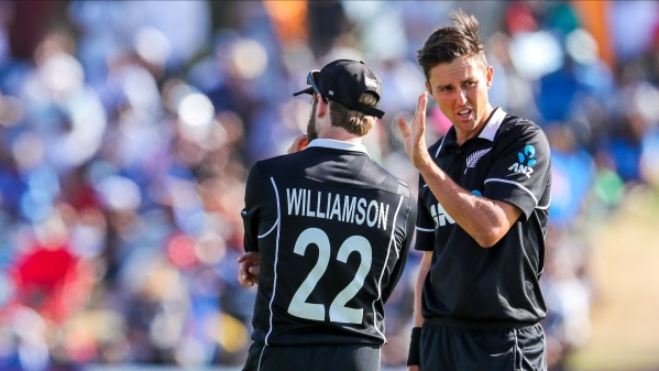 New Zealand Trent Boult, right, and Kane Williamson talk during the second one day international between India and New Zealand at Blake Park in Tauranga, New Zealand, Saturday, Jan. 26, 2019.