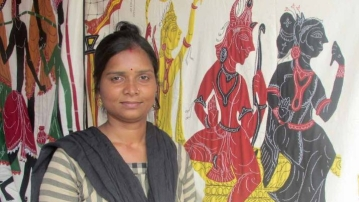 Women artisans like Tina Chhatoi do most of the stitching involved in applique work in Pipli, a hub for traditional and modern applique handicraft.