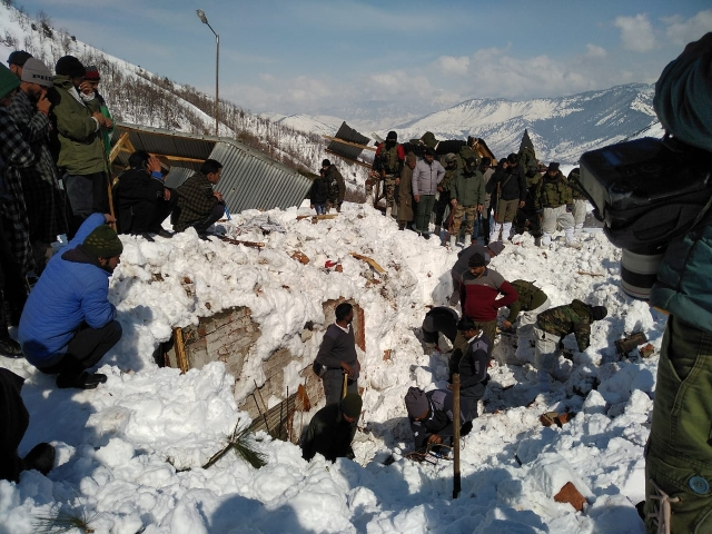 An avalanche hit the north portal of Jawahar Tunnel on the Qazigund side in Kulgam district on Thursday evening.
