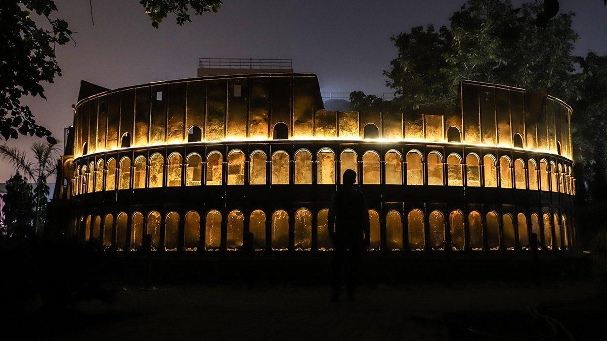 Artists Recreate 7 Wonders of The World in Delhi Using Scrap
