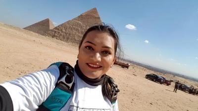 On Shiv Jayanti, Marathi 'mulgi' skydives over Egypt pyramids