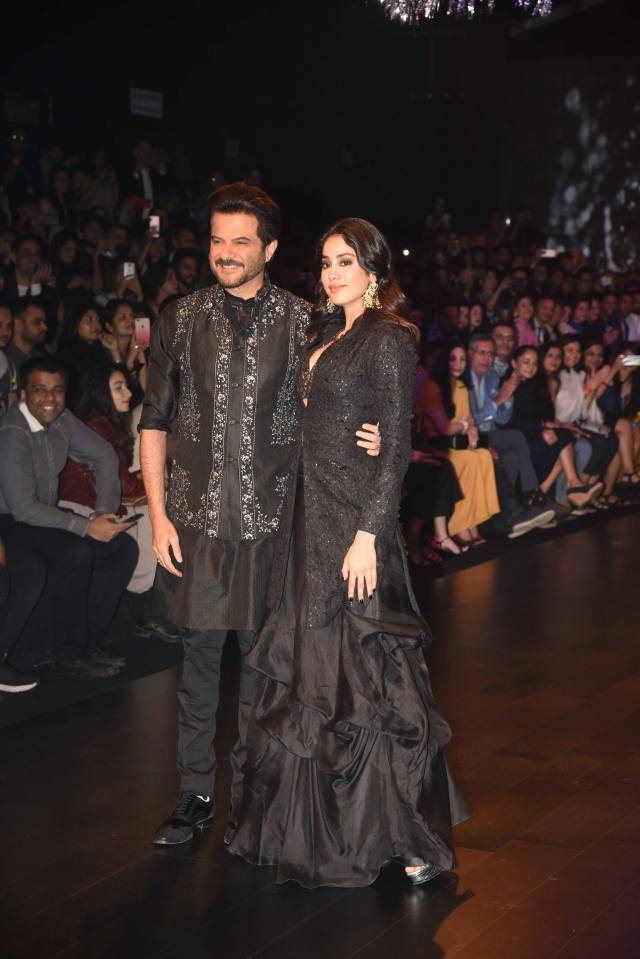 Anil and Janhvi Kapoor pose together on the ramp.