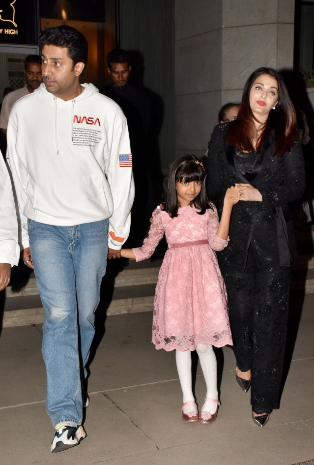 Ash sparkles in black and Aaradhya looks adorable in pink.