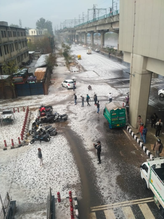 Sadik shared her hailstorm photo from Noida.