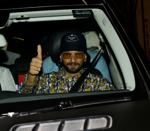 It's a thumbs up from the leading man of<i> Gully Boy</i>.<i></i>