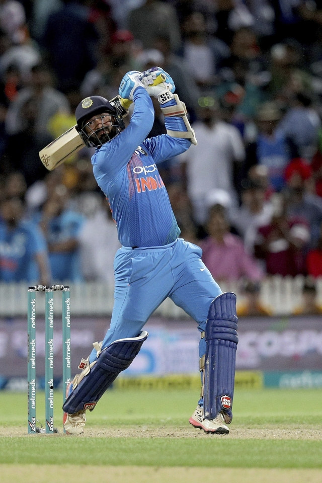 Dinesh Karthik nearly pulled off a heist for India in their 213-run chase in the deciding third T20I against New Zealand at Hamilton.