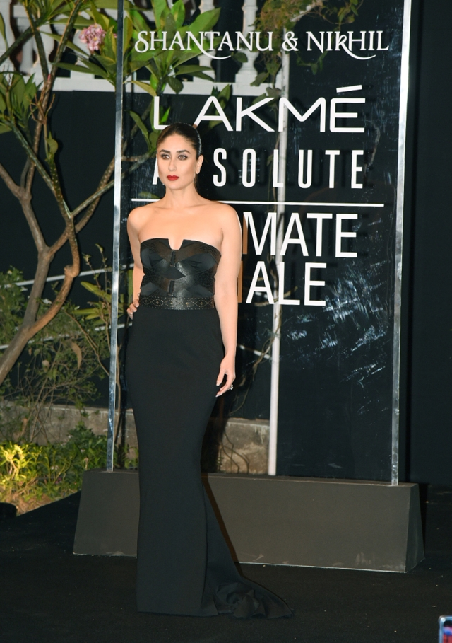 Kareena rocks a stylish black gown as showstopper at the grand finale.