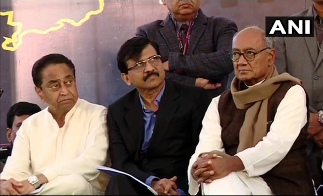 Madhya Pradesh CM Kamal Nath, Congress leader Digvijaya Singh and Shiv Sena MP Sanjay Raut at Andhra Pradesh CM & TDP Chief N Chandrababu Naidu's day-long fast in AP Bhawan, Delhi.