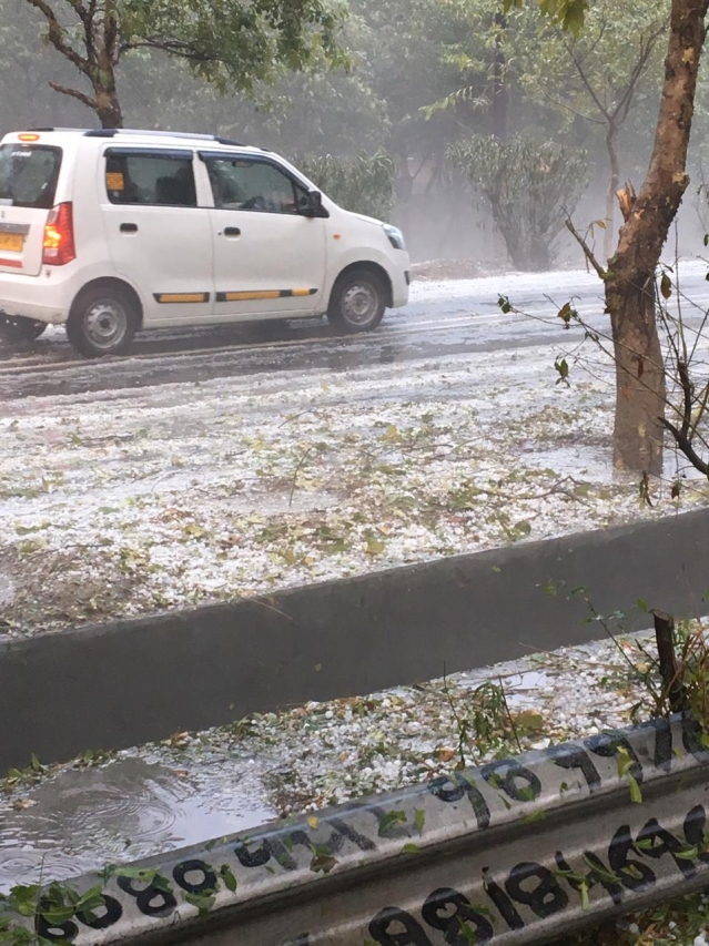 Fariha shared her hailstorm photo from Gurugram.