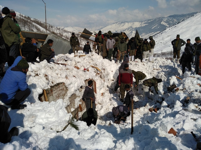 Rescuers on Friday intensified efforts to rescue the 10 policemen feared to be trapped inside their post under a snow avalanche which struck near Jawahar Tunnel