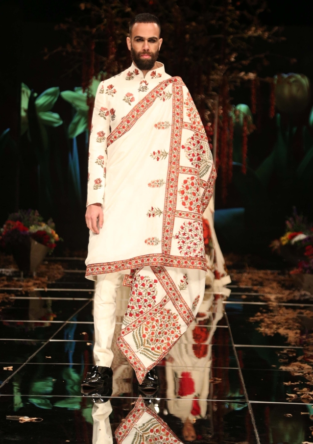 Rohit Bal presented his Kashmir Collection on day one.