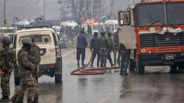 The death toll in the Pulwama attack on a CRPF convoy has risen to 40.