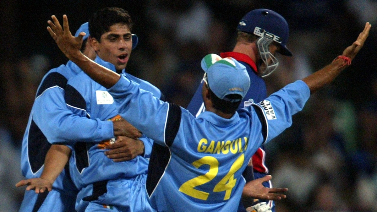 Dada, Dada Turns 47 & We Still Remember When Dhoni Invited Him To Lead The Team For One Final Time Before Retirement!