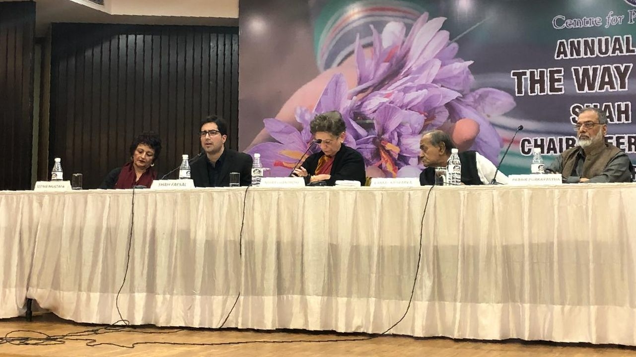 Shah Faesal Condemns Pulwama Attack, Rues Military Solution in J&K