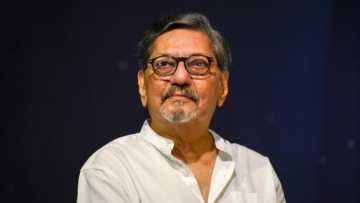 Amol Palekar was forced to cut short his speech criticising the Ministry of Culture for scrapping the NGMA advisory panels.