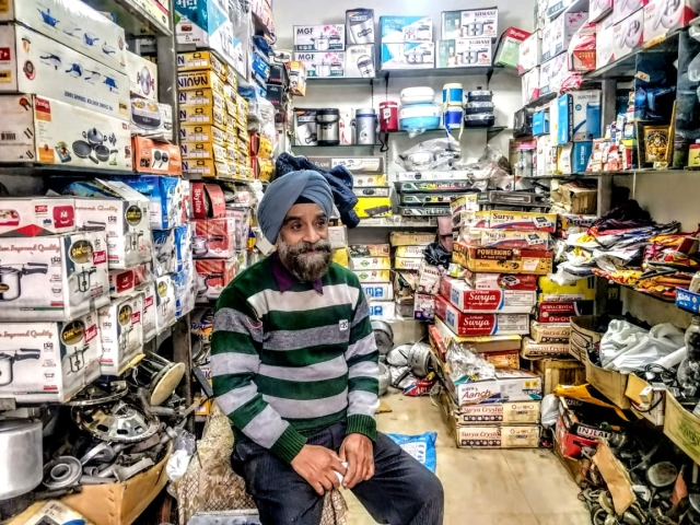 Harinder was also a witness to the riots and had his entire shop looted. Despite that he continues to be grateful to the Hindus.