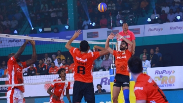 Saqlain Tariq was adjudged the player of the match as Calicut Heroes defeated U Mumba Volley in the Pro Volleyball League.
