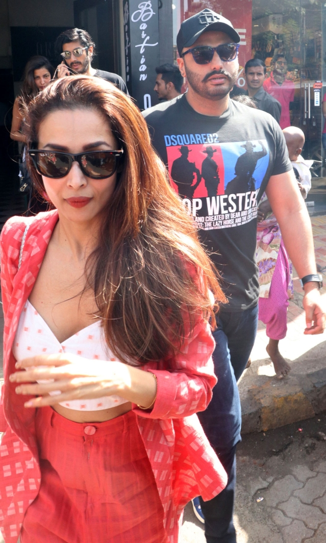 Malaika Arora and Arjun Kapoor spotted in Bandra.