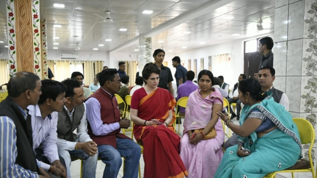 Priyanka Gandhi meets delegation of weavers in Bhadohi.