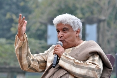 Haven't written songs for Modi biopic: Javed Akhtar