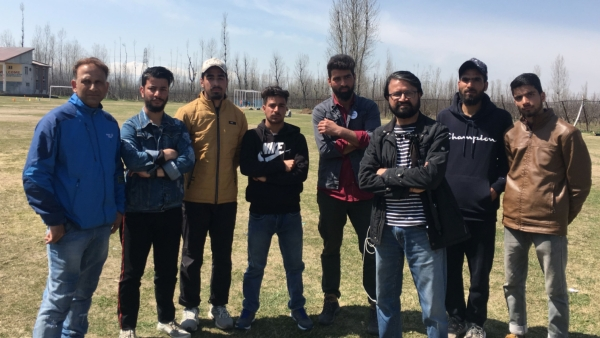 <b>The Quint</b> reached the Pulwama district of South Kashmir to find out who will vote, who will not, and why?&nbsp;