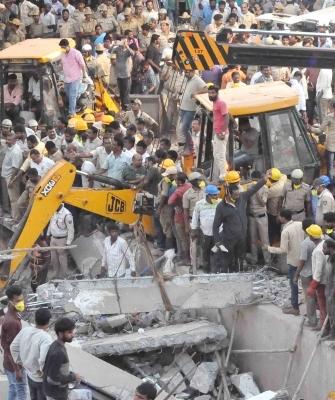 Karnataka building crash toll rises to 4