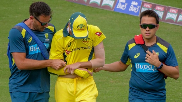 Australian fast bowler Jhye Richardson has dislocated his shoulder and will head home from the Pakistan tour.