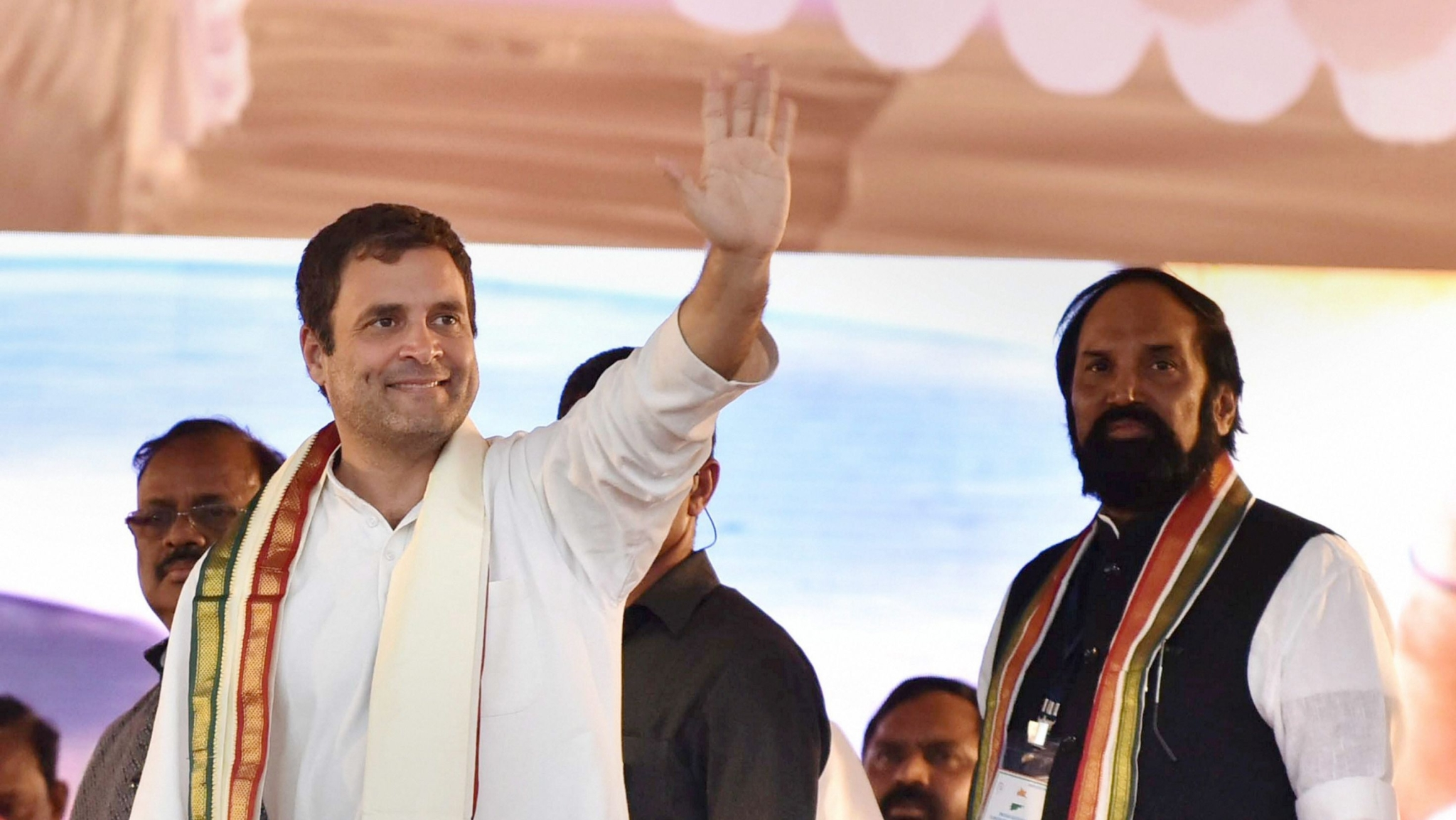 Cong Will Implement Minimum Income Gurantee Scheme If Voted: Rahul