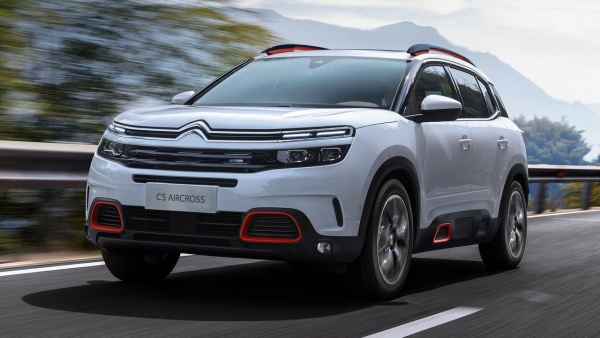 The Citroen C5 Aircross is a front-wheel drive that has some off-road tech with its drive modes, just like the Tata Harrier.