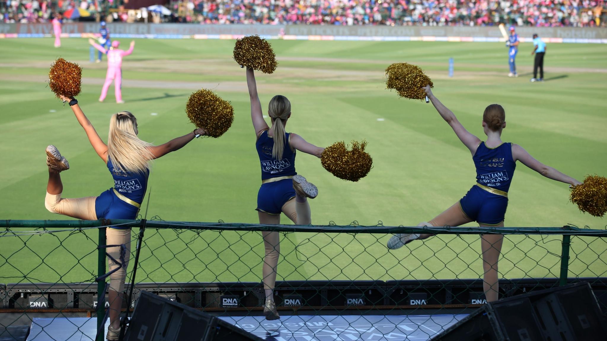 'Walking Porn', 'Pieces of Meat': Why Do We Need IPL Cheerleaders?