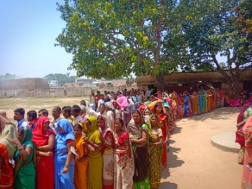 Banka: People wait in multiple queues to cast their votes for the second phase of 2019 Lok Sabha elections in Bihar