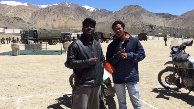 Rahim (right) and Vincent (left), the flying mechanics from Royal Enfield.