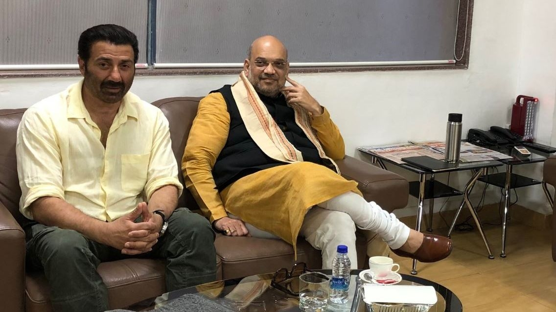 Sunny Deol Meets Amit Shah, Triggers Speculation Over Joining BJP