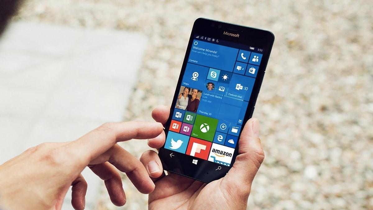 Facebook Will Kill Its Apps for Windows Phones Beginning 30 April