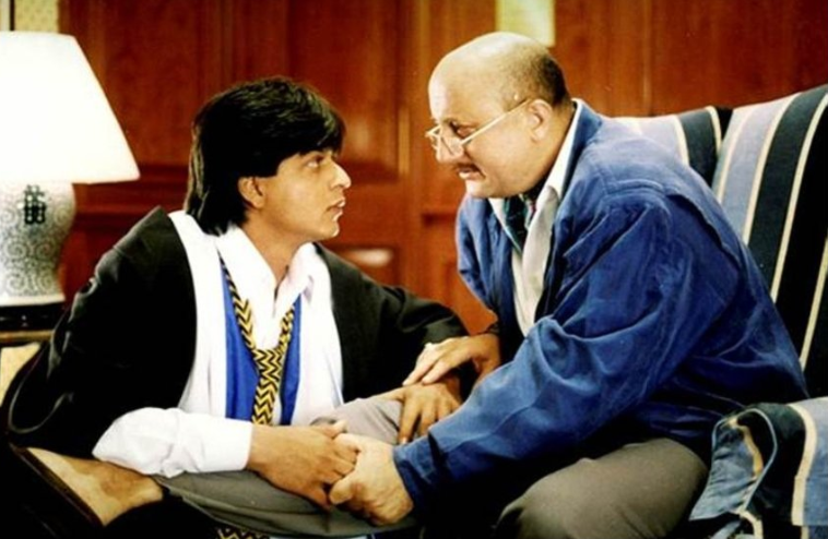 Shah Rukh Khan and Anupam Kher Bond Over a 'DDLJ' GIF on Twitter