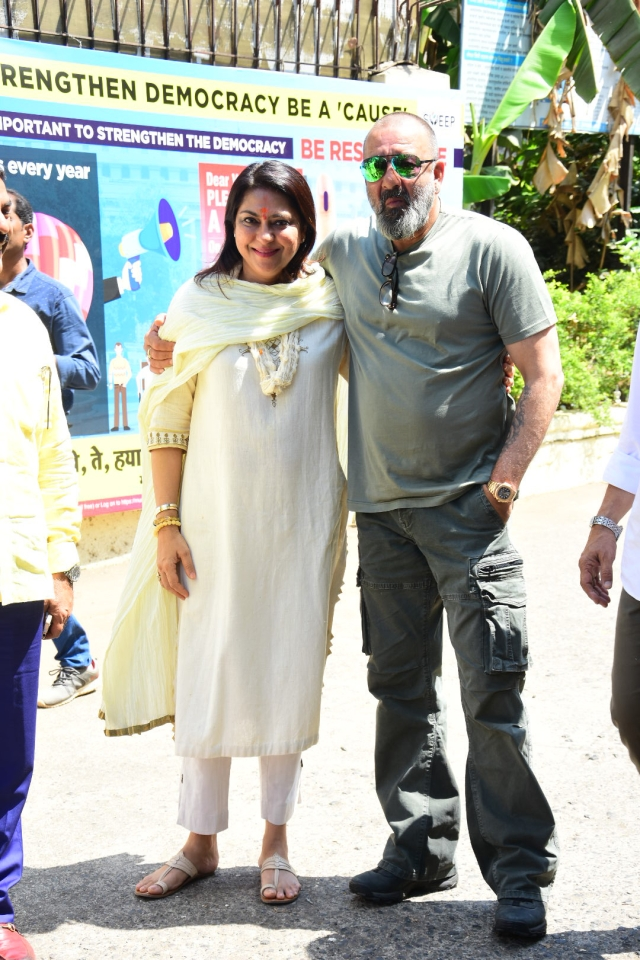 Priya and Sanjay Dutt at the collector's office in Mumbai.