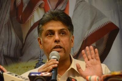 Congress' Manish Tewari casts vote in Ludhiana