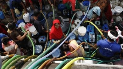 QChennai: Water Tankers Call off Strike; Stalin Wins But Loses