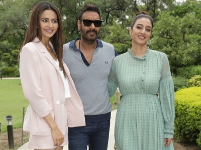 Ajay takes a dig at Tabu with throwback image